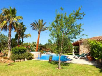 Mediterraner Garten, Pool und Whirlpool
