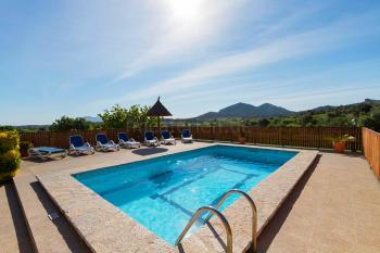 Landestypische Finca mit Pool für 10 Personen