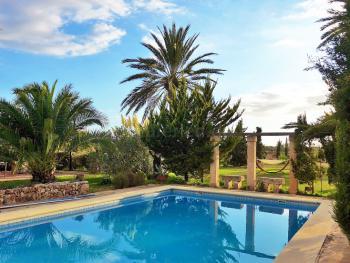 Pool und Sonnenterrasse - gemeinschaftlich