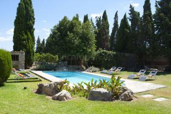 Große Finca mit Pool und Garten nahe BInissalem