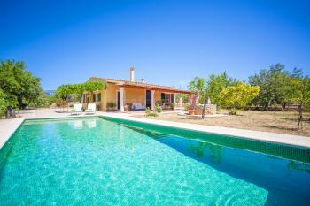 Finca mit Pool für den Familienurlaub