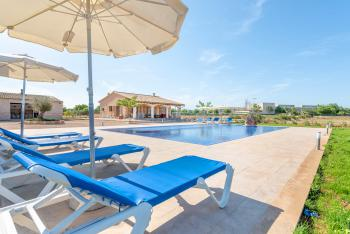 Ferienhaus mit Pool bei Campos