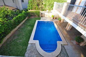 Pool und und in den Garten