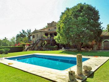 Finca in Sa Garriga mit Pool und Gartenanlage