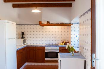 Mallorquine Küche mit Geschirrspüler