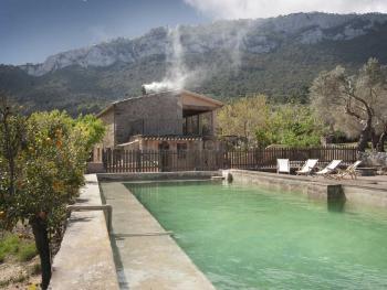 Finca mit eingezäuntem Pool bei Valldemossa