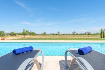 Ferienhaus in Alleinlage mit Pool, Klimaanlage