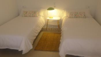 2 Schlafzimmer mit Einzelbetten
