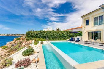 Strandnahe Villa mit Pool - direkt am Meer