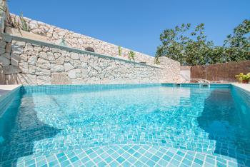 Renovierte Finca mit Pool, Klimaanlage und Internet