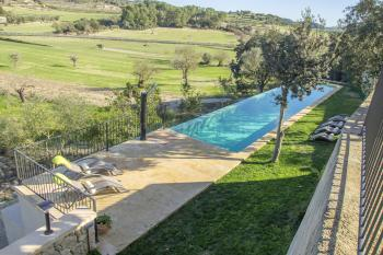 Pool, Garten und Terrassenflächen