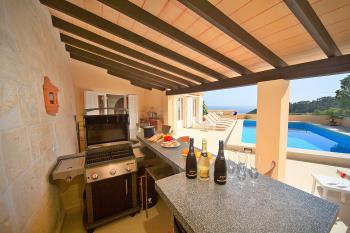 Villa am Meer mit beheizbarem Pool