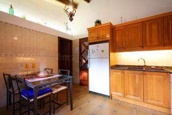 Küche mit Essplatz, Gasherd