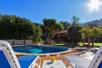 Ferienhaus mit Pool und Klimaanlage mieten