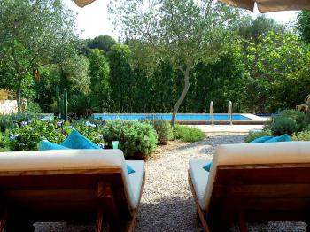 Ferienhaus mit Pool in ruhiger Lage