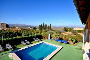 Ferienhaus für 12 Personen mit Pool