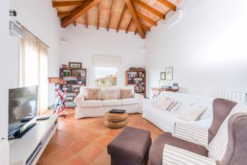 Wohnzimmer mit Sat-TV - oben