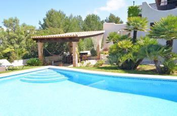 Urlaub auf Mallorca - Finca mit Pool und Garten