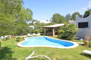 Relaxen im Garten oder erfrischen im Pool