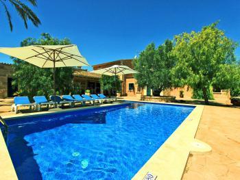 Großes Ferienhaus mit Pool bei Campos
