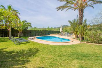 Finca mit Pool in ruhiger Lage bei S'Horta