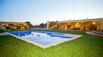 Apartments mit Klimaanlage und Pool