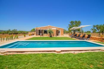 Finca mit Pool für 6 Personen bei Arta