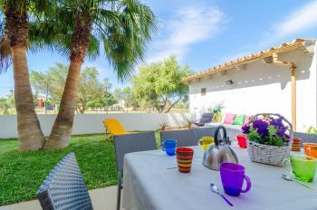 Garten, Terrasse und Außendusche