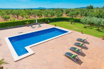 Finca mit Pool in ruhiger Lage bei Lloseta
