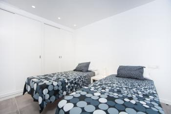 Schlafzimmer mit Klimaanlage (UG)