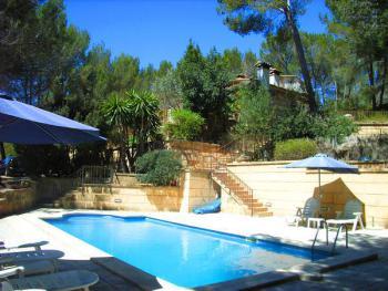 Großes Ferienhaus mit Pool