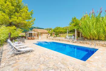 Finca mit Pool in ruhiger, idyllischer Lage