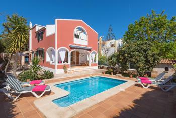 Strandnahes Ferienhaus mit Pool bei Ciutadella