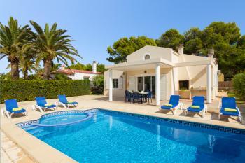 Strandnahes Ferienhaus für 8 Personen