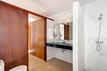 Duschbad en Suite mit Schiebetür
