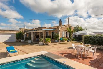 Ferien auf Menorca - Finca mit Pool