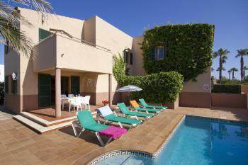 Menorca Urlaub am Meer - Ferienhaus mit Pool