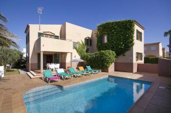 Ferienhaus mit Pool - Cala Blanca