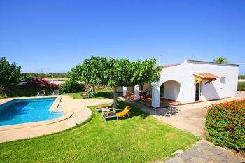 Ferienhaus mit Pool in ländlicher Lage