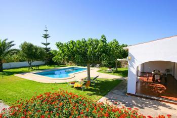 Ferienhaus mit Pool und Garten bei Ciutadella