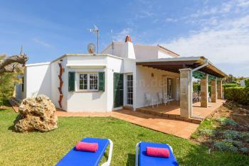 Ferienhaus mit Pool, Garten, Terrasse