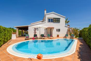 Ferienhaus für 8 Personen mit Pool