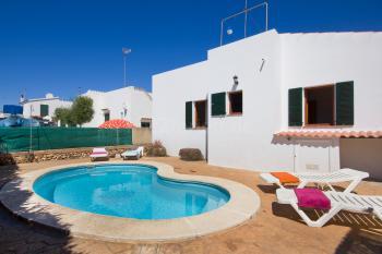 Menorca Urlaub im Ferienhaus mit Pool