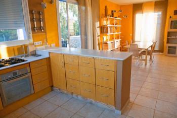 Küche und Ausgang zur Terrasse