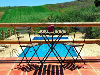 Andalusien: Finca mit Pool und Panoramablick