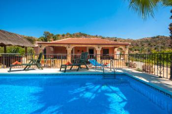 Finca mit eingezäuntem Pool in Andalusien