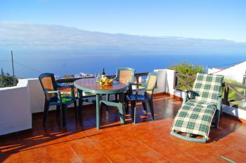 Ferienhaus in ruhiger Lage und mit Meerblick