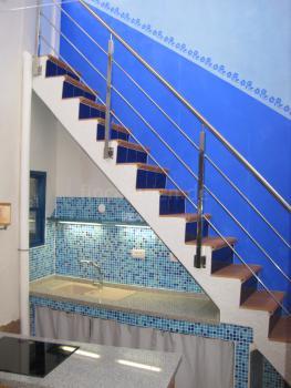 und Treppe zur Dachterrasse