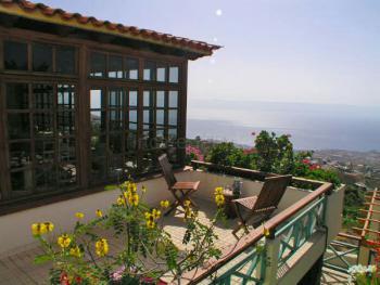 Großer Balkon mit Meerblick