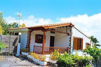 Schönes Ferienhaus imWesten auf Teneriffa bei Los Gigantes im Weinberg für 2 - 4 Personen - Aussenansicht